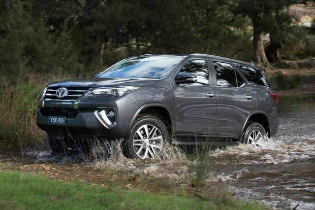9-2878097-15_fortuner_reveal_08_t620